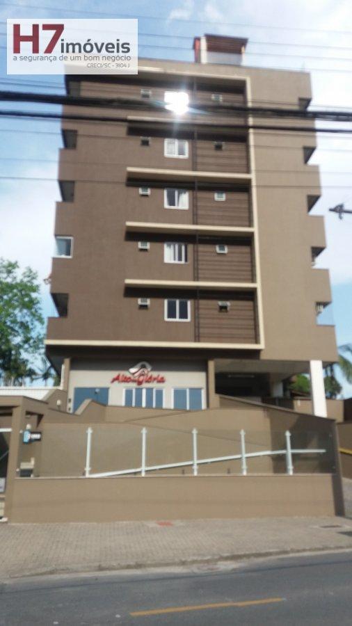 Apartamento para Alugar no bairro Glória em Joinville - SC. 1 banheiro, 2 dormitórios, 1 vaga na garagem, 1 cozinha.