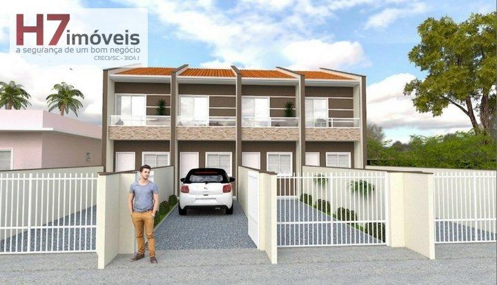 Casa a Venda no bairro Guanabara em Joinville - SC. 1 banheiro, 2 dormitórios, 2 vagas na garagem, 1 cozinha,  lavabo.