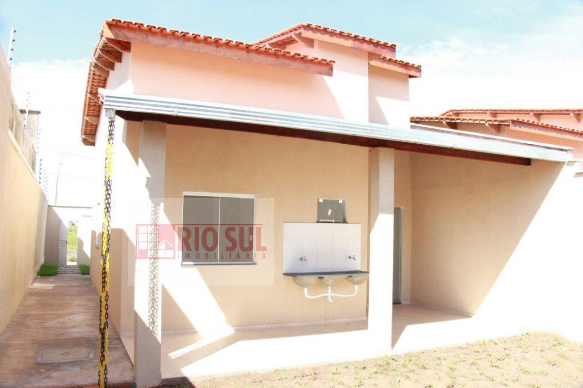 Casa a Venda no bairro João Paulo II em Imperatriz - MA. 2 b