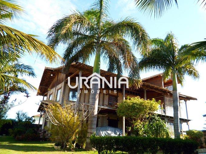 Casa a Venda no bairro Santa Paula em Vila Velha - ES. 4 banheiros, 4 dormitórios, 2 suítes, 6 vagas na garagem, 1 cozinha,  closet,  área de serviço,