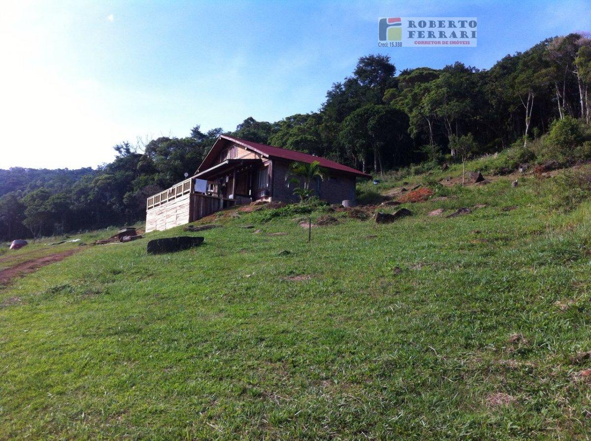 Casa a Venda no bairro Encantada em Garopaba - SC. 2 banheiros, 1 dormitório, 1 suíte, 2 vagas na garagem, 1 cozinha,  sala de jantar.  - 186