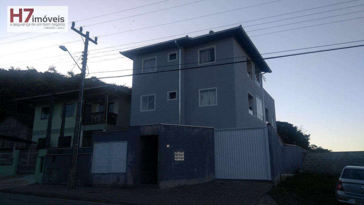 Apartamento a Venda no bairro Vila Nova em Joinville - SC. 1 banheiro, 2 dormitórios, 1 vaga na garagem, 1 cozinha.