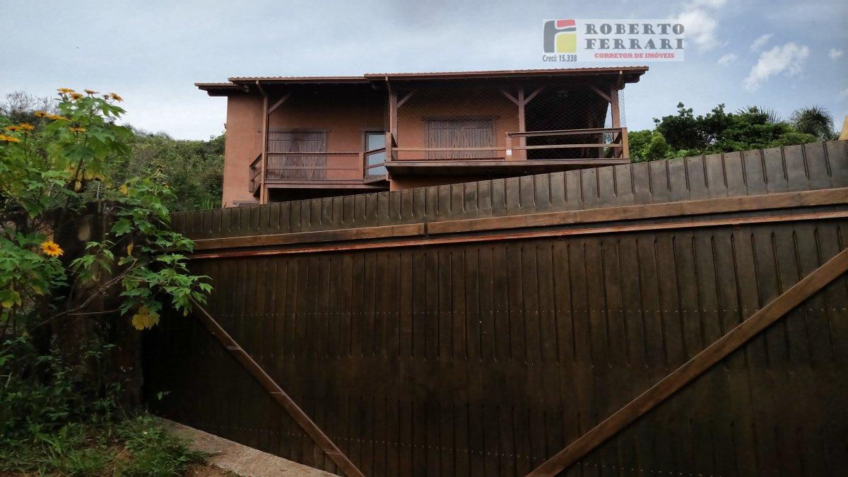 Casa a Venda no bairro Praia do Rosa em Imbituba - SC. 2 banheiros, 3 dormitórios, 1 suíte, 2 vagas na garagem, 1 cozinha,  área de serviço,  sala de