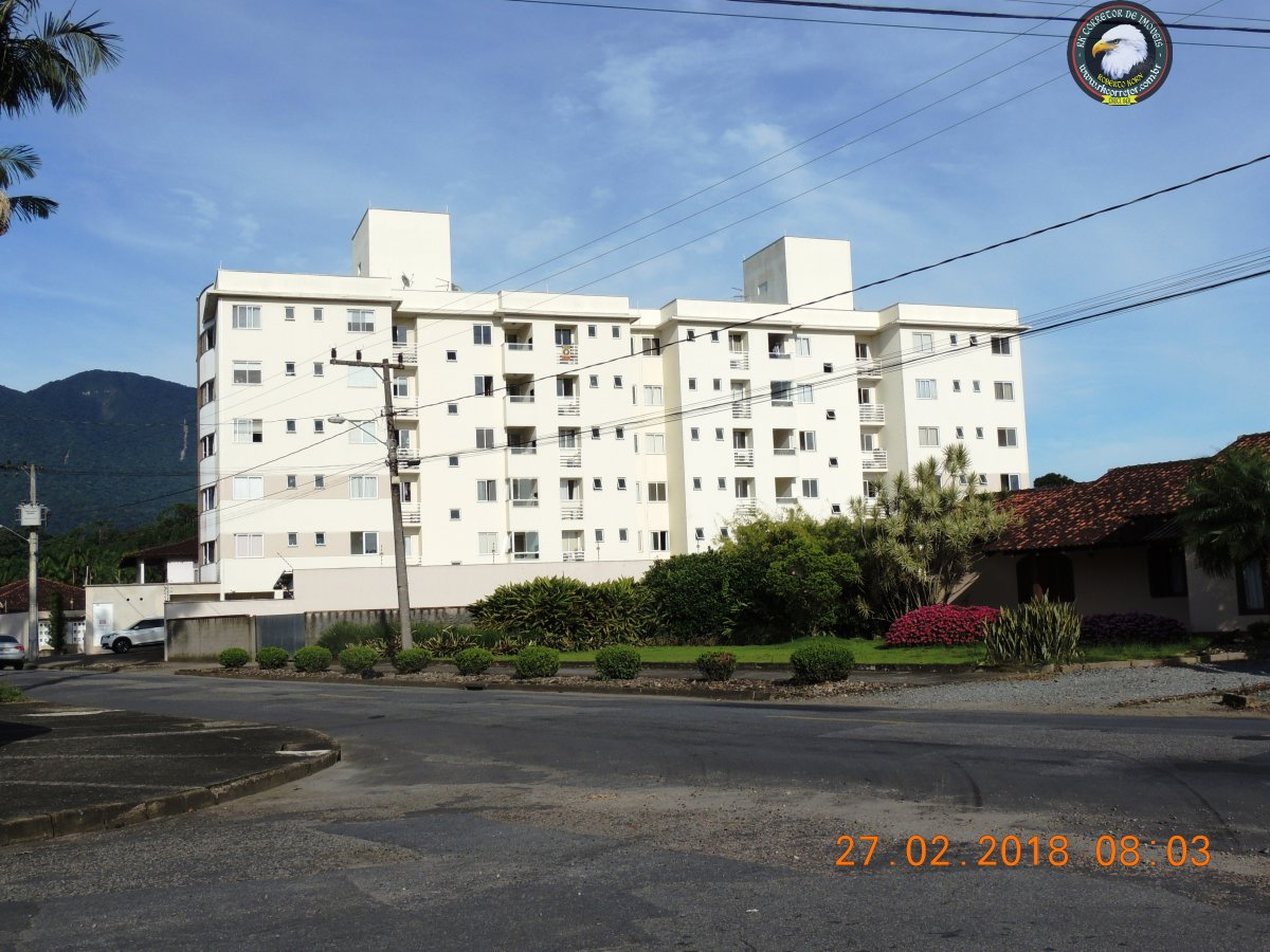 Apartamento à venda  no Pirabeiraba (Centro) - Joinville, SC. Imóveis