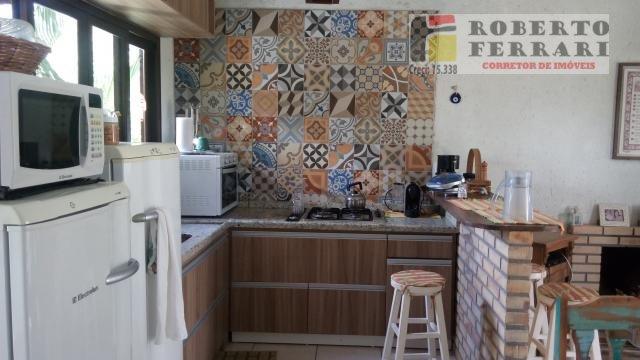 Casa a Venda e para Alugar no bairro Arroio em Imbituba - SC. 2 banheiros, 3 dormitórios, 1 suíte, 1 vaga na garagem, 1 cozinha,  área de serviço,  la