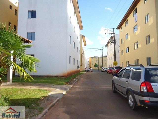 Apartamento a Venda no bairro Bom Jesus em Campo Largo - PR. 1 banheiro, 2 dormitórios, 1 vaga na garagem, 1 cozinha,  área de serviço.  - AP0023