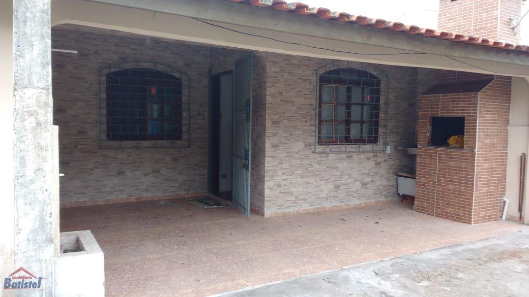 Casa a Venda no bairro Balneário Caravelas em Matinhos - PR. 1 banheiro, 2 dormitórios, 1 vaga na garagem, 1 cozinha,  área de serviço,  sala de tv,