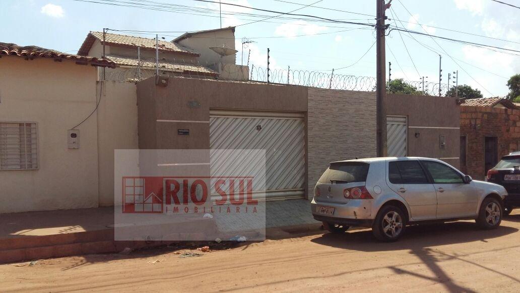 Casa para Alugar no bairro Bacuri em Imperatriz - MA. 2 banheiros, 3 dormitórios, 1 suíte, 2 vagas na garagem, 1 cozinha,  área de serviço,  sala de e