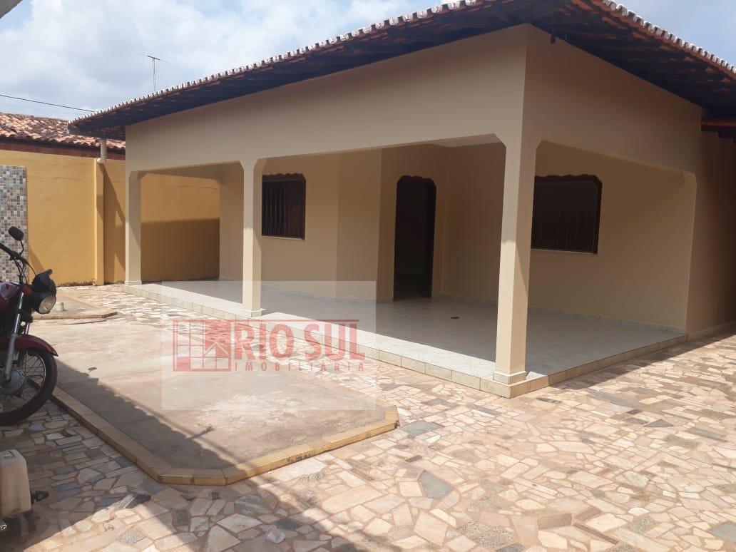 Casa para Alugar no bairro Vila Nova em Imperatriz - MA. 4 banheiros, 4 dormitórios, 2 suítes, 4 vagas na garagem, 1 cozinha,  área de serviço,  sala
