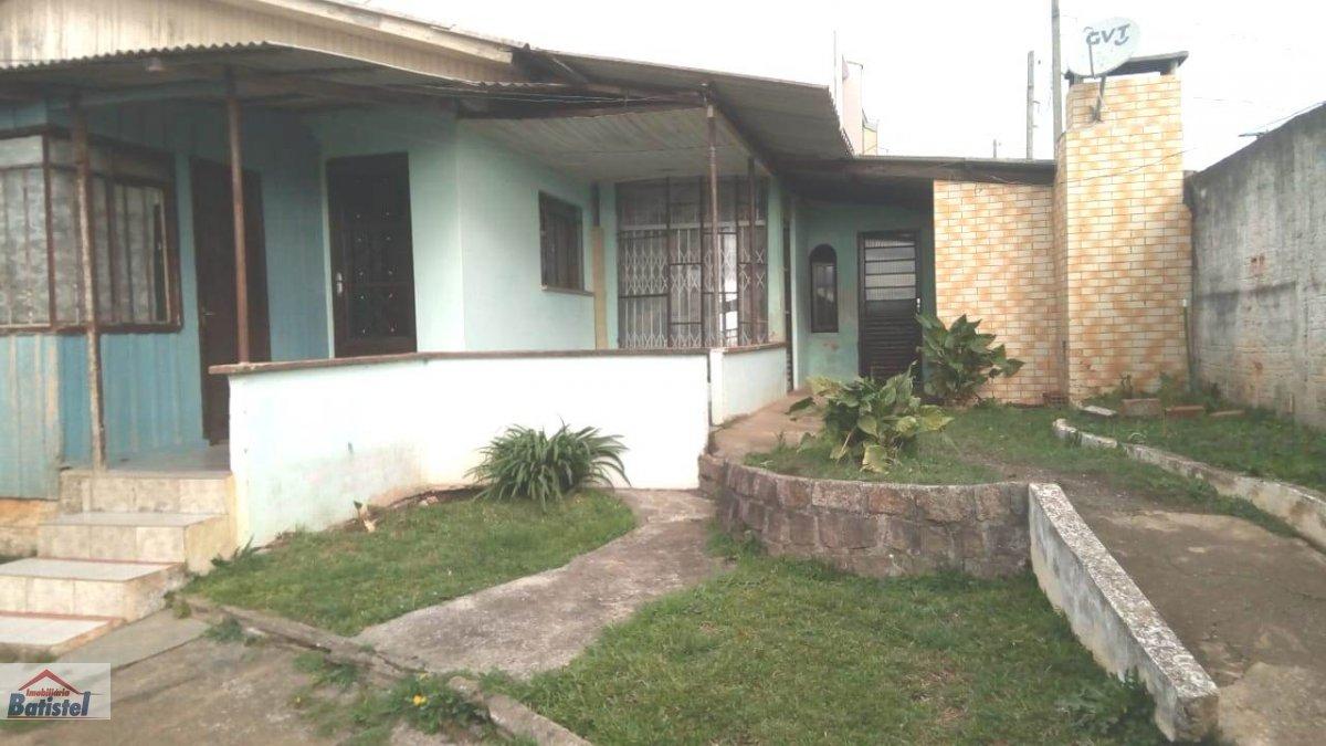 Casa para Alugar no bairro Jardim Alvorada em Campo Largo - PR. 1 banheiro, 2 dormitórios, 1 vaga na garagem, 1 cozinha.  - CA0201