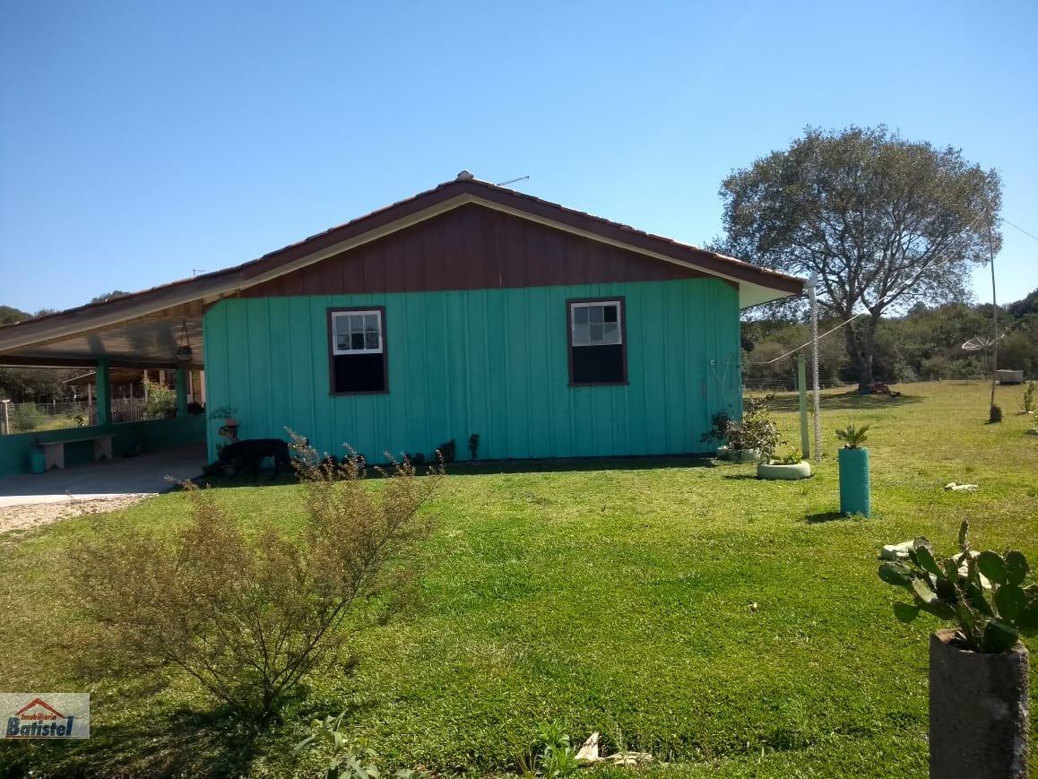 Chácara a Venda no bairro Rodeiozinho em Balsa Nova - PR. 2 banheiros, 4 dormitórios, 5 vagas na garagem, 2 cozinhas,  área de serviço.  - CH0028
