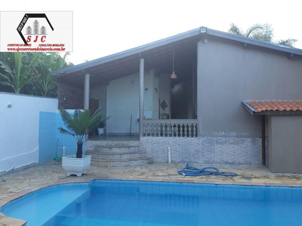 Chácara a Venda no bairro Balsa em Americana - SP. 2 banheiros, 2 dormitórios, 10 vagas na garagem, 1 cozinha,  área de serviço,  copa,  sala de tv.
