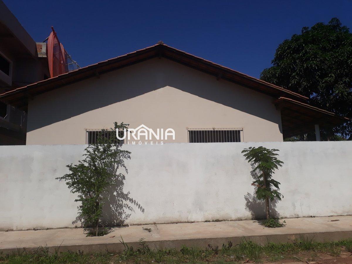 Casa para Alugar no bairro Santa Paula II em Vila Velha - ES. 2 banheiros, 3 dormitórios, 1 suíte, 2 vagas na garagem, 1 cozinha,  área de serviço,  s