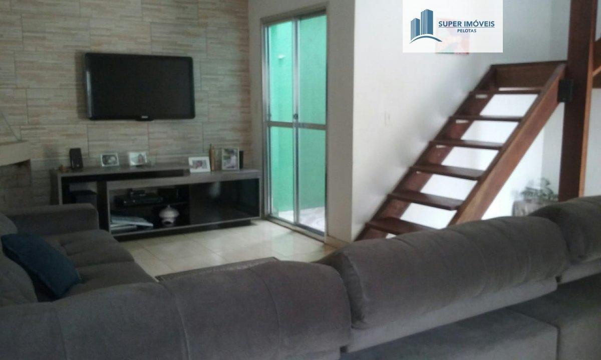 Casa a Venda no bairro Areal em Pelotas - RS. 2 banheiros, 3 dormitórios, 1 suíte, 2 vagas na garagem, 1 cozinha,  área de serviço,  sala de tv,  sala