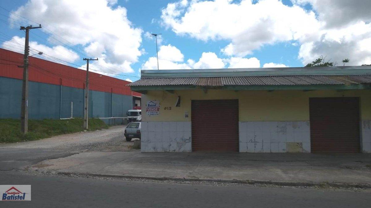 Ponto comercial a Venda no bairro Conjunto Águas Claras em Campo Largo - PR. 1 banheiro, 1 dormitório, 2 vagas na garagem, 1 cozinha,  área de serviço