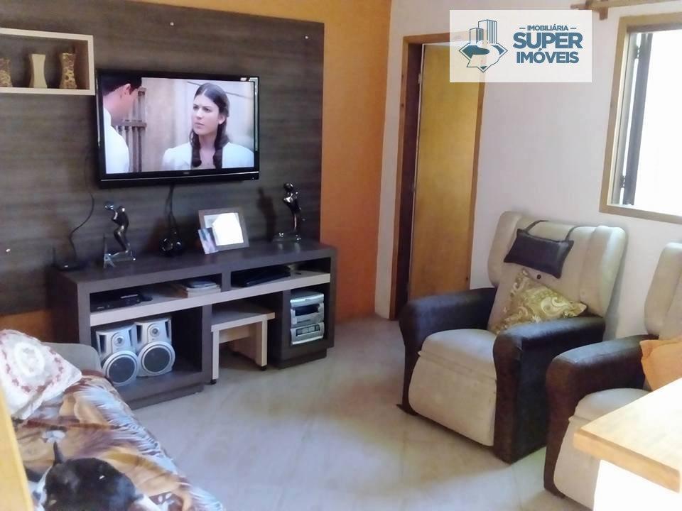 Casa a Venda no bairro Fragata em Pelotas - RS. 2 banheiros, 3 dormitórios, 1 vaga na garagem, 1 cozinha,  área de serviço,  sala de estar,  sala de j