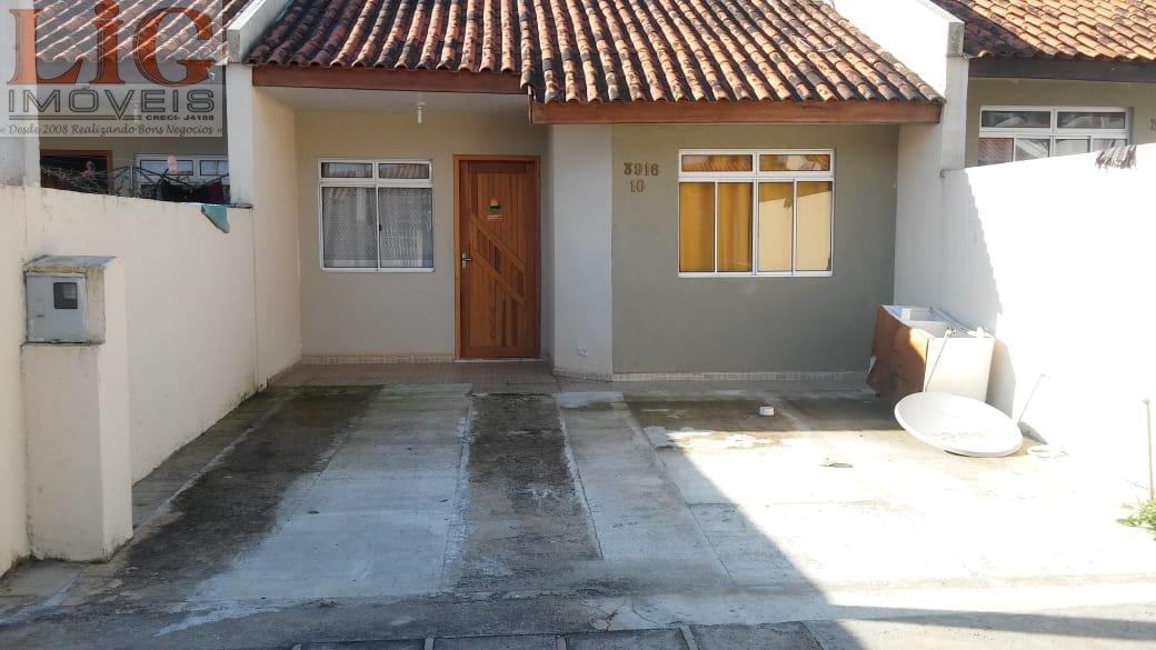 Casa a Venda no bairro Estados em Fazenda Rio Grande - PR. 1 banheiro, 2 dormitórios, 1 cozinha,  área de serviço.  - CS-525
