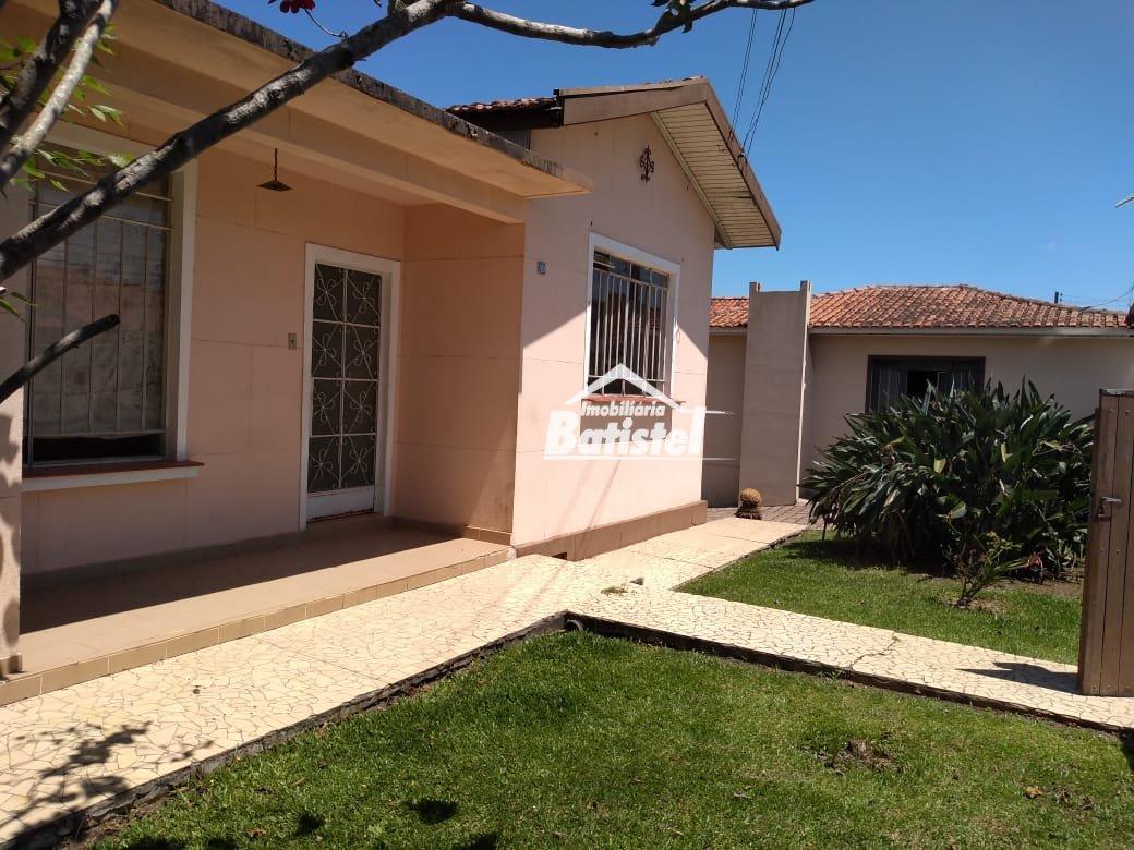 Casa para Alugar no bairro Loteamento Ouro Verde I em Campo Largo - PR. 2 banheiros, 3 dormitórios, 2 vagas na garagem, 1 cozinha,  área de serviço.