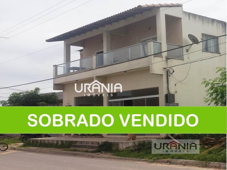 Sobrado a Venda no bairro Santa Paula II em Vila Velha - ES. 3 banheiros, 3 dormitórios, 1 suíte, 2 cozinhas,  área de serviço,  sala de estar,  sala