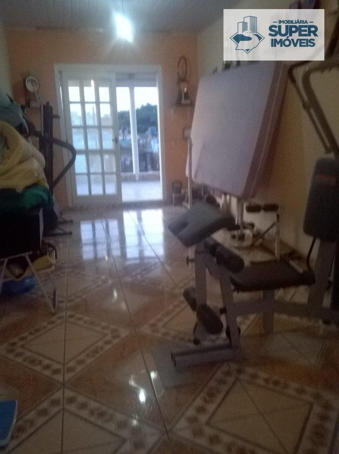 Casa a Venda no bairro Fragata em Pelotas - RS. 2 banheiros, 3 dormitórios, 1 suíte, 1 vaga na garagem, 1 cozinha,  sala de jantar.  - 481