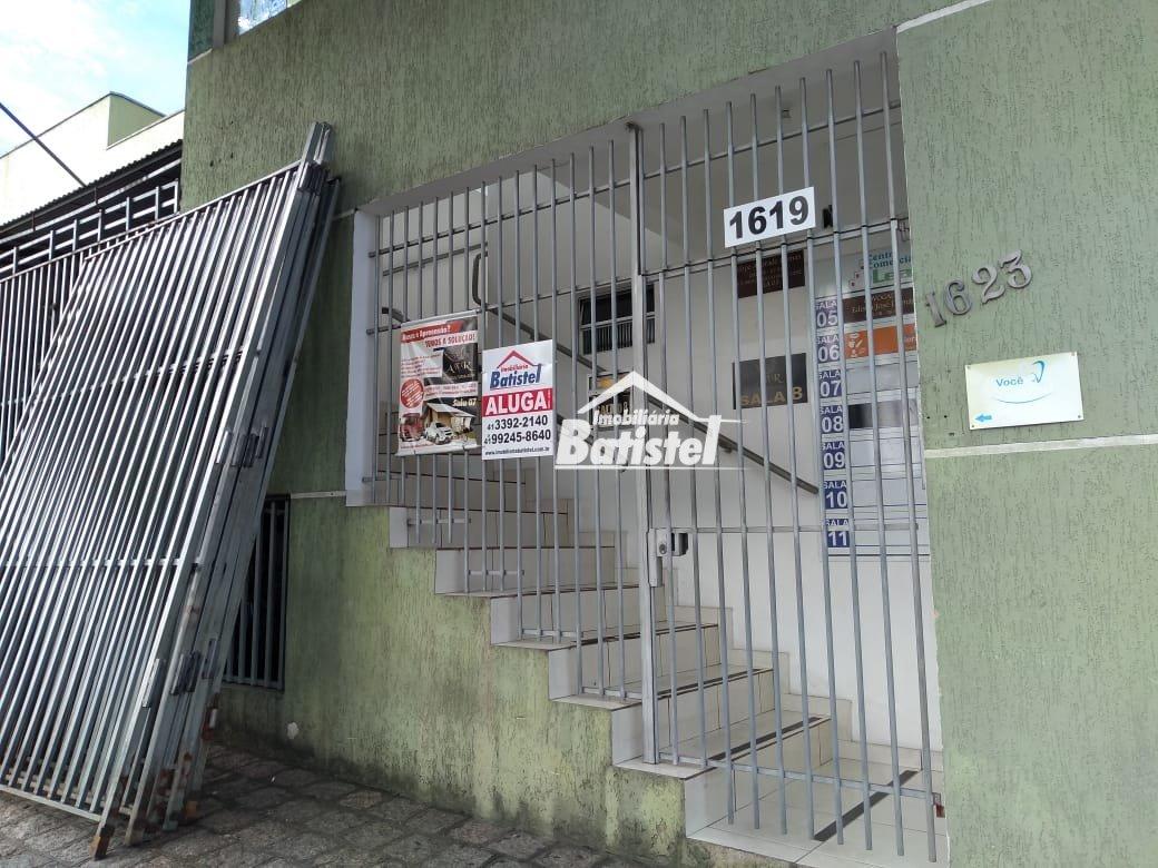 Sala comercial para Alugar no bairro Centro em Campo Largo - PR. 2 banheiros.  - SA0007