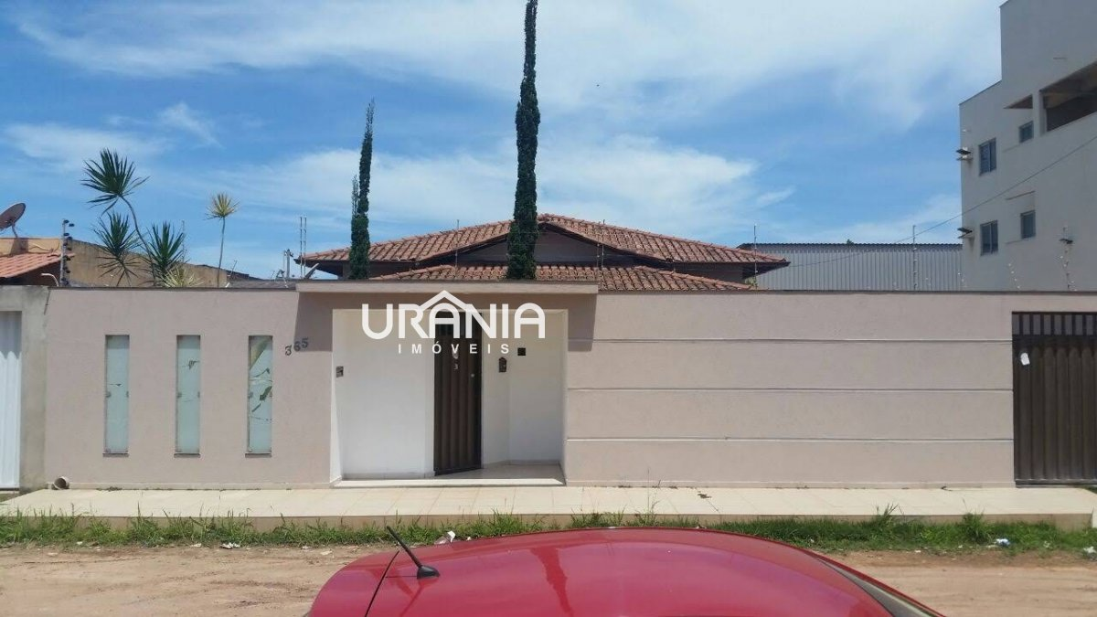 Casa a Venda no bairro Santa Paula II em Vila Velha - ES. 2 banheiros, 3 dormitórios, 1 suíte, 5 vagas na garagem, 1 cozinha,  closet,  área de serviç