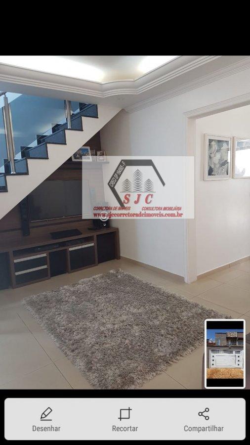 Casa a Venda no bairro Parque Universitário em Americana - SP. 3 banheiros, 3 dormitórios, 1 cozinha,  área de serviço,  sala de estar,  sala de janta