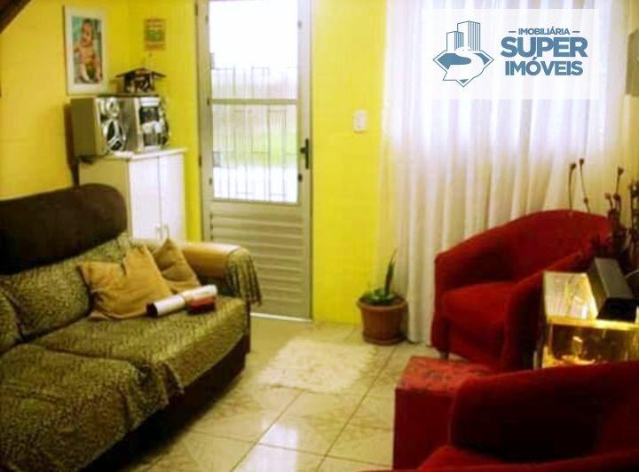 Casa a Venda no bairro Areal em Pelotas - RS. 1 banheiro, 2 dormitórios, 1 vaga na garagem, 1 cozinha,  área de serviço,  sala de estar,  sala de jant