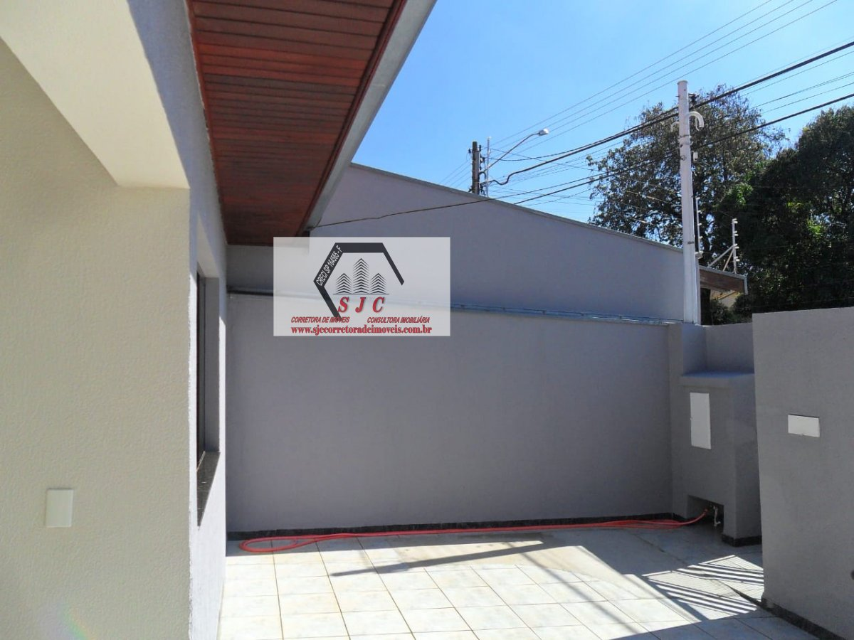 Casa a Venda no bairro Parque Novo Mundo em Americana - SP. 1 banheiro, 2 dormitórios, 3 vagas na garagem, 1 cozinha,  área de serviço,  sala de estar