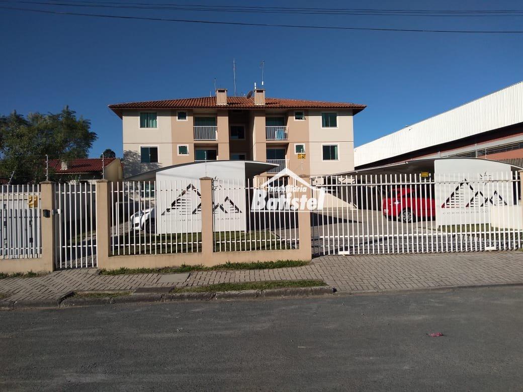 Apartamento para Alugar no bairro Vila Itaqui em Campo Largo - PR. 1 banheiro, 2 dormitórios, 1 vaga na garagem, 1 cozinha,  área de serviço,  sala de