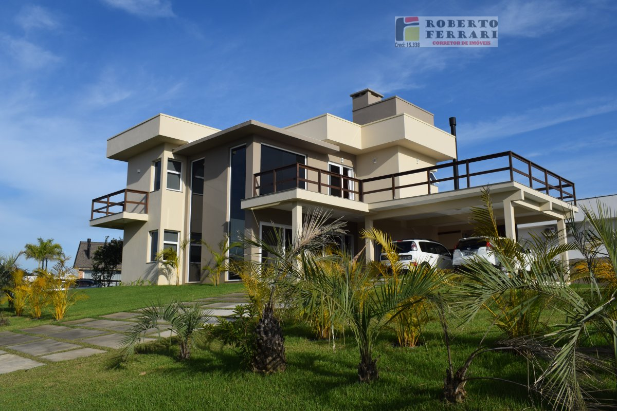Casa a Venda no bairro Araçatuba em Imbituba - SC. 2 banheiros, 5 dormitórios, 3 suítes, 3 vagas na garagem, 1 cozinha,  closet,  área de serviço,  co