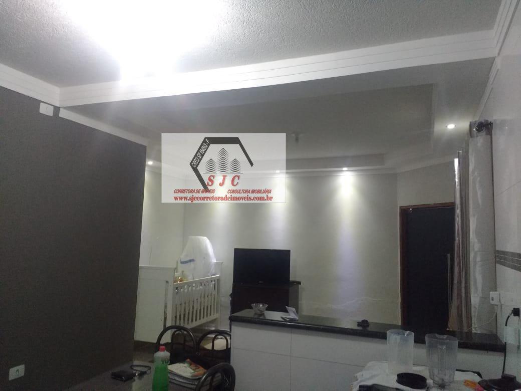 Casa a Venda no bairro Jardim Esmeralda em Santa Bárbara D´Oeste - SP. 1 banheiro, 2 dormitórios, 2 vagas na garagem, 1 cozinha,  área de serviço,  sa
