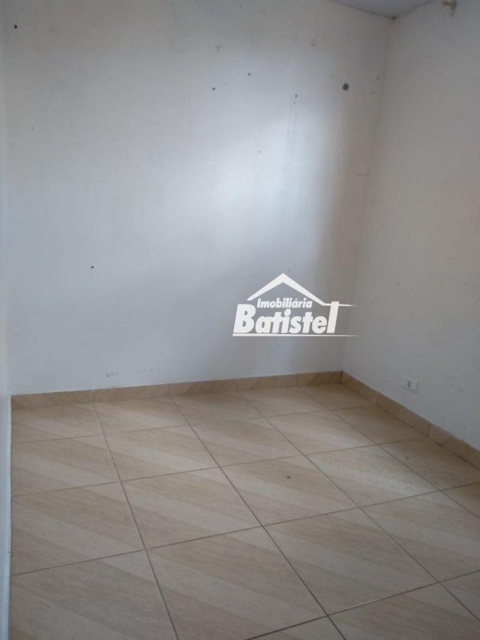 Apartamento a Venda no bairro Bom Jesus em Campo Largo - PR. 1 banheiro, 2 dormitórios, 1 vaga na garagem, 1 cozinha,  área de serviço,  sala de estar