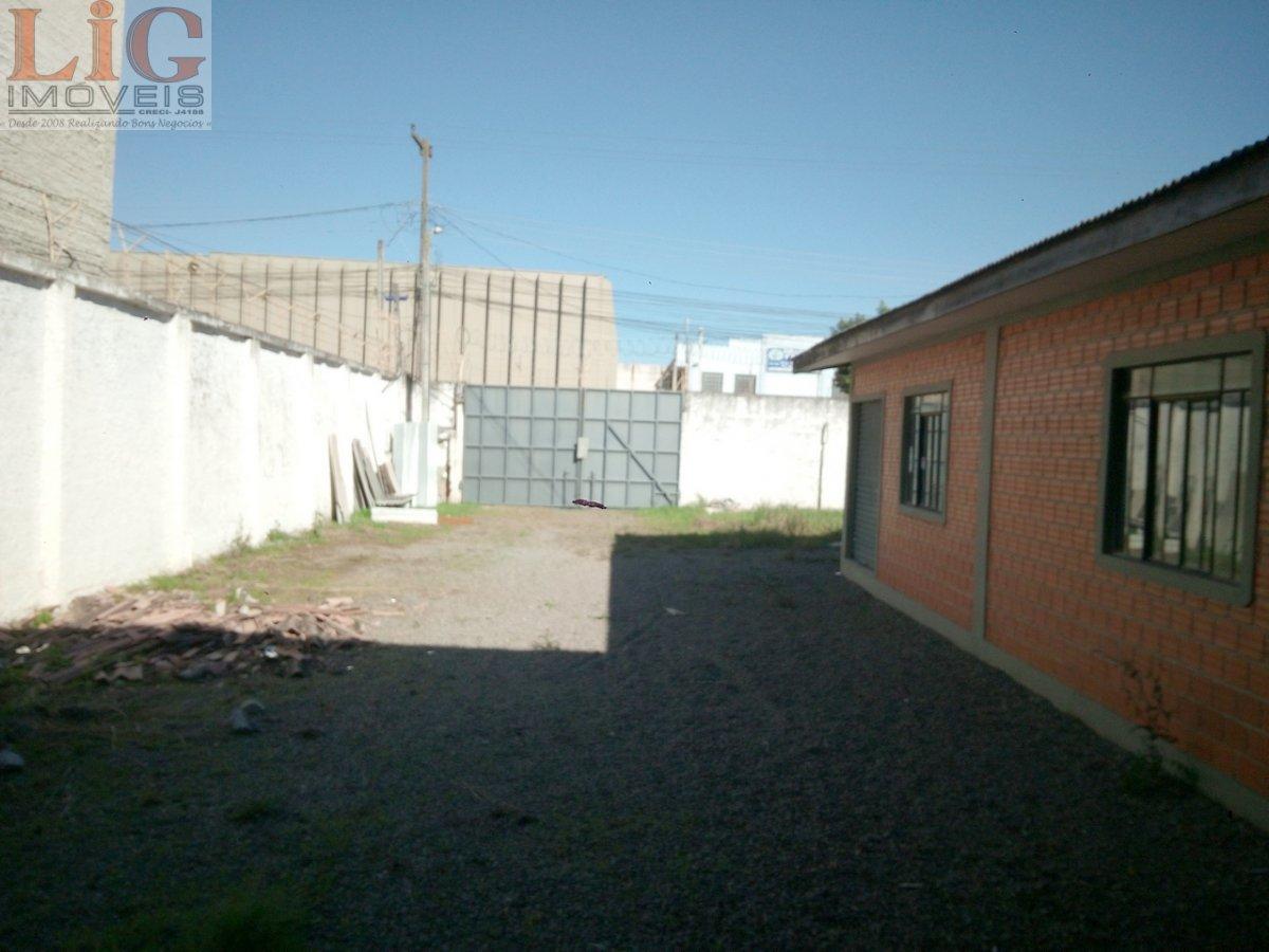 Galpão/Pavilhão para Alugar no bairro Boqueirão em Curitiba - PR. 3 banheiros, 14 vagas na garagem, 1 cozinha,  copa,  escritório.  - BAR-333