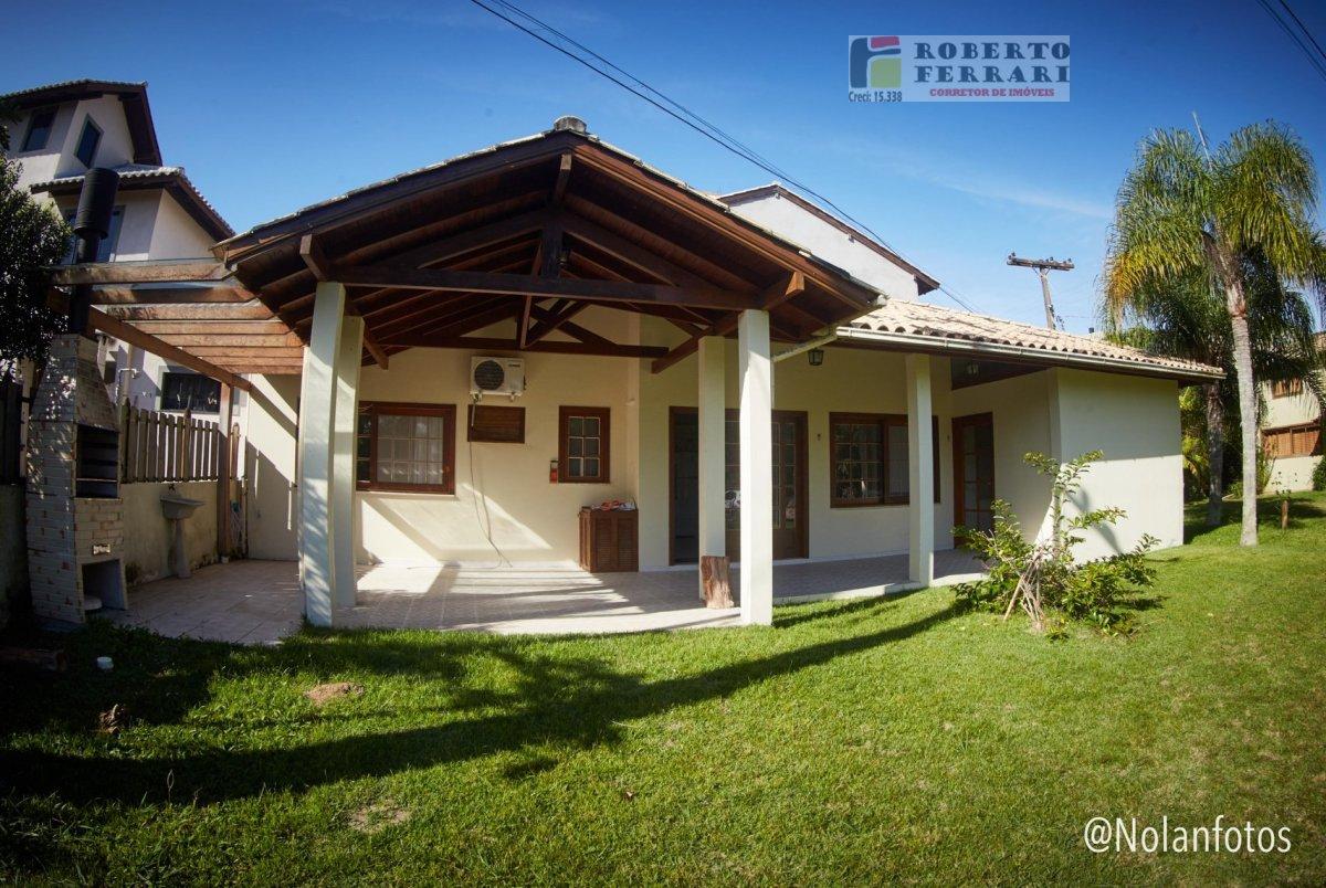 Casa a Venda no bairro Barra Ibiraquera em Imbituba - SC. 1 banheiro, 2 dormitórios, 1 suíte, 1 vaga na garagem, 1 cozinha,  área de serviço,  sala de