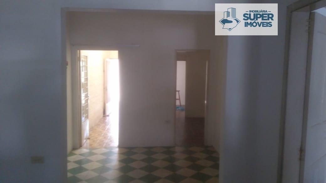 Casa a Venda no bairro Fragata em Pelotas - RS. 2 banheiros, 3 dormitórios, 1 cozinha,  área de serviço,  sala de estar,  sala de jantar.  - 810