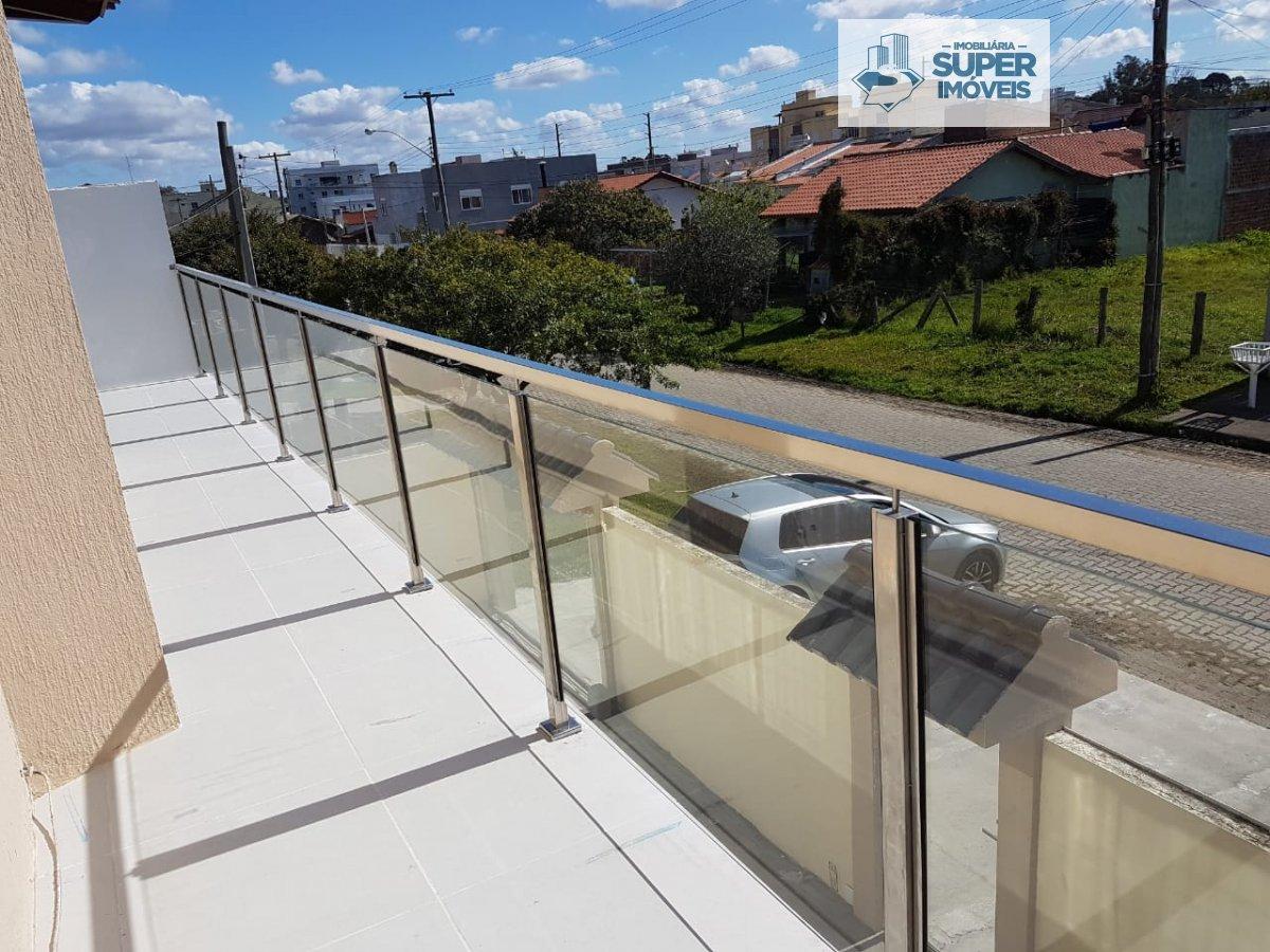 Casa a Venda no bairro Cassino em Rio Grande - RS. 3 banheiros, 5 dormitórios, 2 vagas na garagem, 1 cozinha,  área de serviço,  sala de estar,  sala