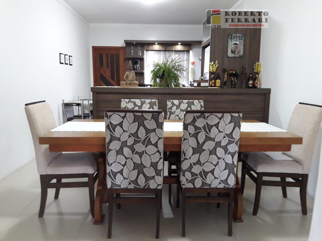 Casa a Venda no bairro Pinguirito em Garopaba - SC. 3 banheiros, 3 dormitórios, 3 suítes, 2 vagas na garagem, 1 cozinha,  closet,  área de serviço,  l