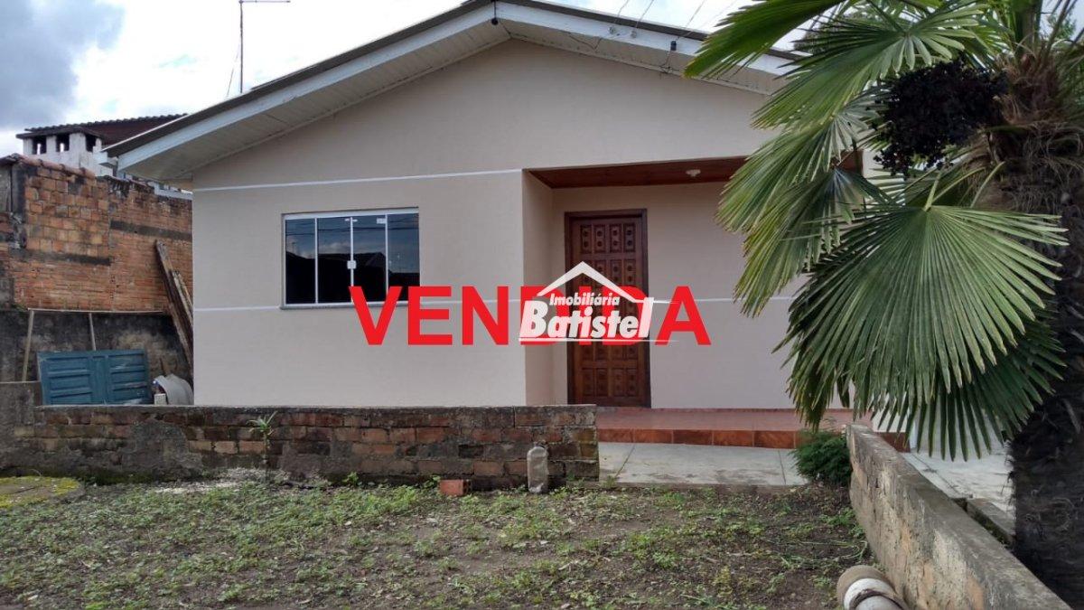Casa a Venda no bairro Jardim Itaqui em Campo Largo - PR. 1 banheiro, 3 dormitórios, 1 cozinha,  área de serviço,  sala de estar.  - CA0222