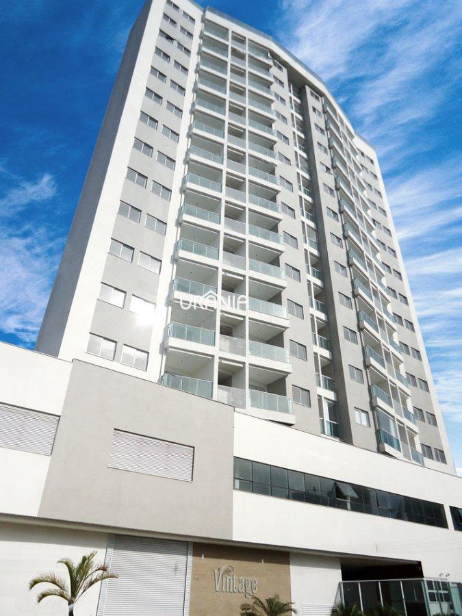 Apartamento a Venda no bairro Praia de Itapoã em Vila Velha - ES. 2 banheiros, 2 dormitórios, 1 suíte, 1 vaga na garagem, 1 cozinha,  área de serviço,