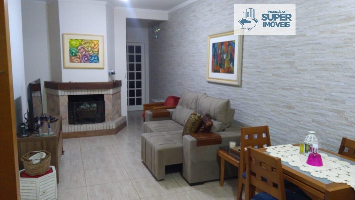 Casa a Venda no bairro Três Vendas em Pelotas - RS. 2 banheiros, 3 dormitórios, 1 suíte, 1 vaga na garagem, 1 cozinha,  área de serviço,  sala de esta