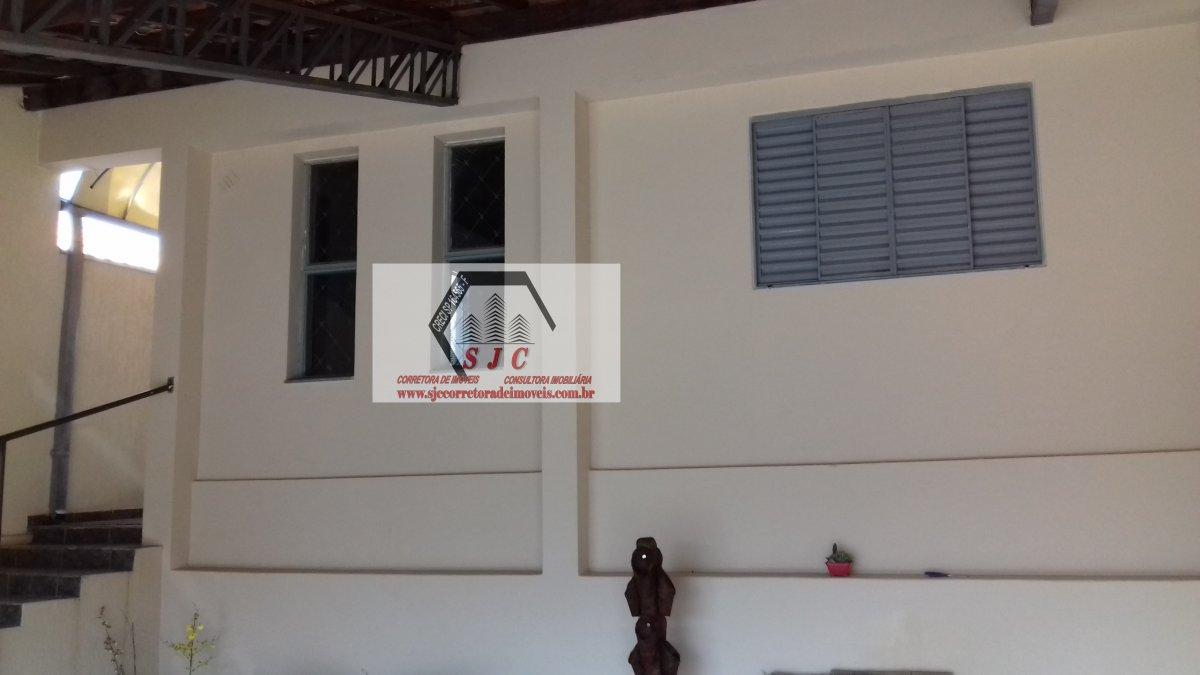 Casa a Venda e para Alugar no bairro Vila Louricilda em Americana - SP. 1 banheiro, 3 dormitórios, 1 suíte, 2 vagas na garagem, 1 cozinha,  área de se