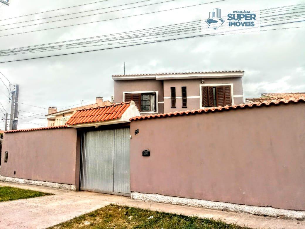 Casa a Venda no bairro Areal em Pelotas - RS. 3 banheiros, 3 dormitórios, 1 suíte, 1 vaga na garagem, 1 cozinha,  área de serviço,  lavabo,  sala de e