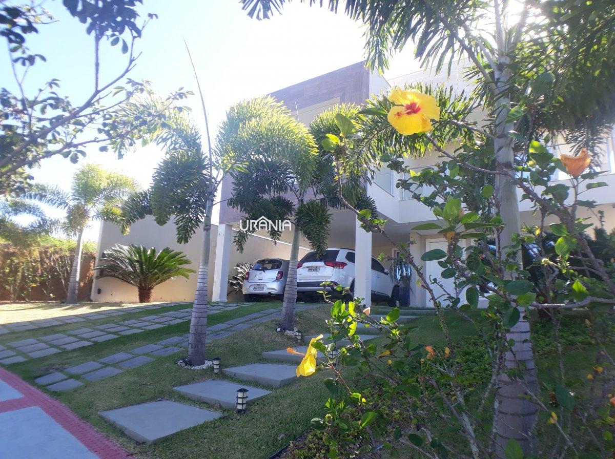 Casa para Alugar no bairro Santa Paula em Vila Velha - ES. 6 banheiros, 4 dormitórios, 4 suítes, 4 vagas na garagem, 1 cozinha,  closet,  área de serv