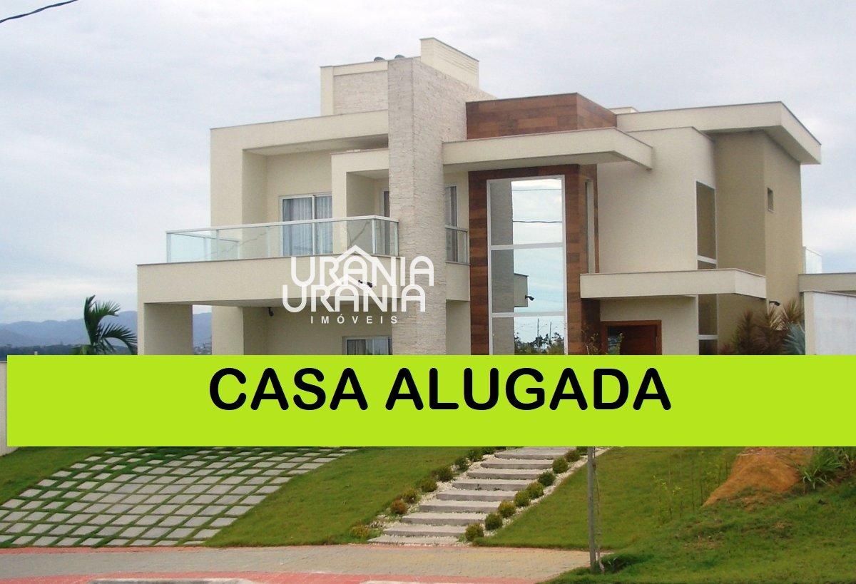 Casa a Venda no bairro Santa Paula II em Vila Velha - ES. 5 banheiros, 4 dormitórios, 4 suítes, 4 vagas na garagem, 2 cozinhas,  closet,  área de serv