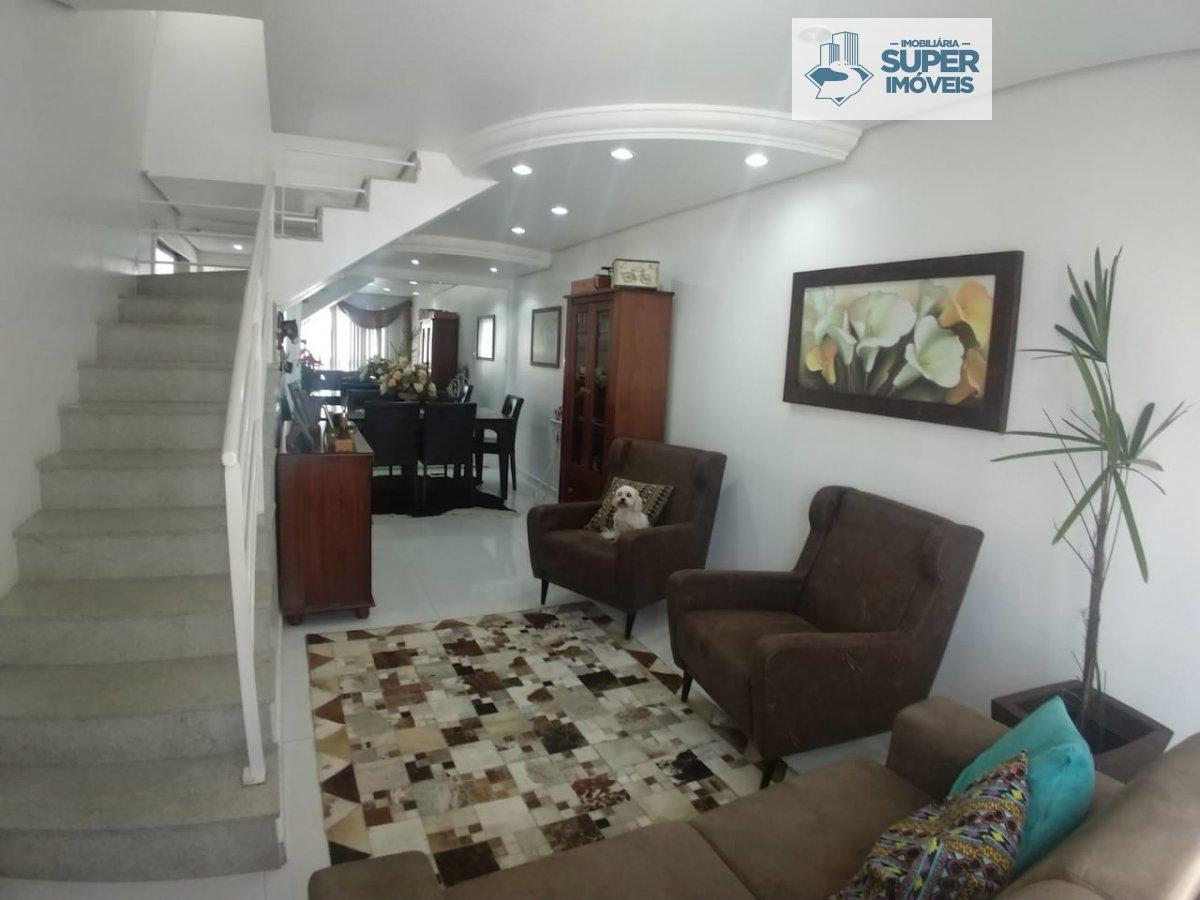 Casa a Venda no bairro Parque Residencial Coelho em Rio Grande - RS. 3 banheiros, 3 dormitórios, 1 suíte, 1 vaga na garagem, 1 cozinha,  closet,  área