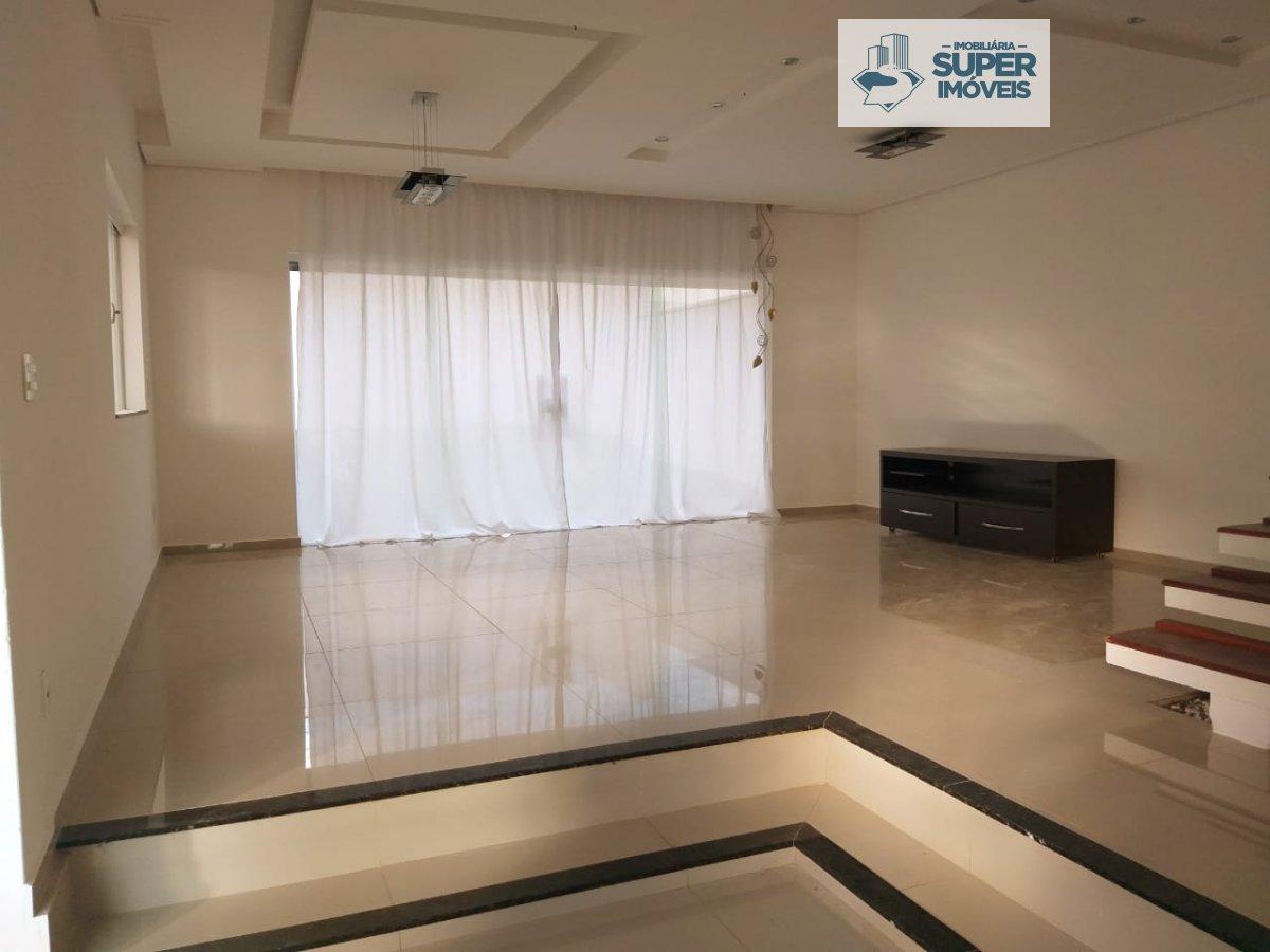 Casa a Venda no bairro Centro em Nova Odessa - SP. 2 banheiros, 3 dormitórios, 1 suíte, 1 vaga na garagem, 1 cozinha,  lavabo,  sala de estar,  sala d