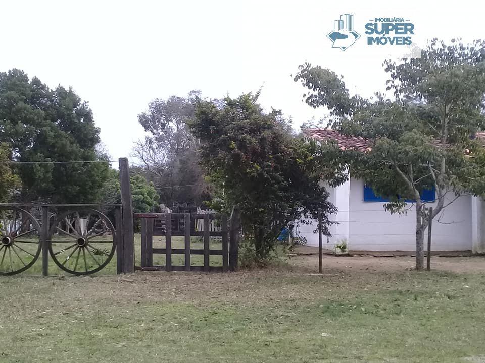 Sítio a Venda no bairro Centro em Arroio Grande - RS. 2 banheiros, 3 dormitórios, 1 cozinha,  área de serviço,  sala de estar,  sala de jantar.  - 117