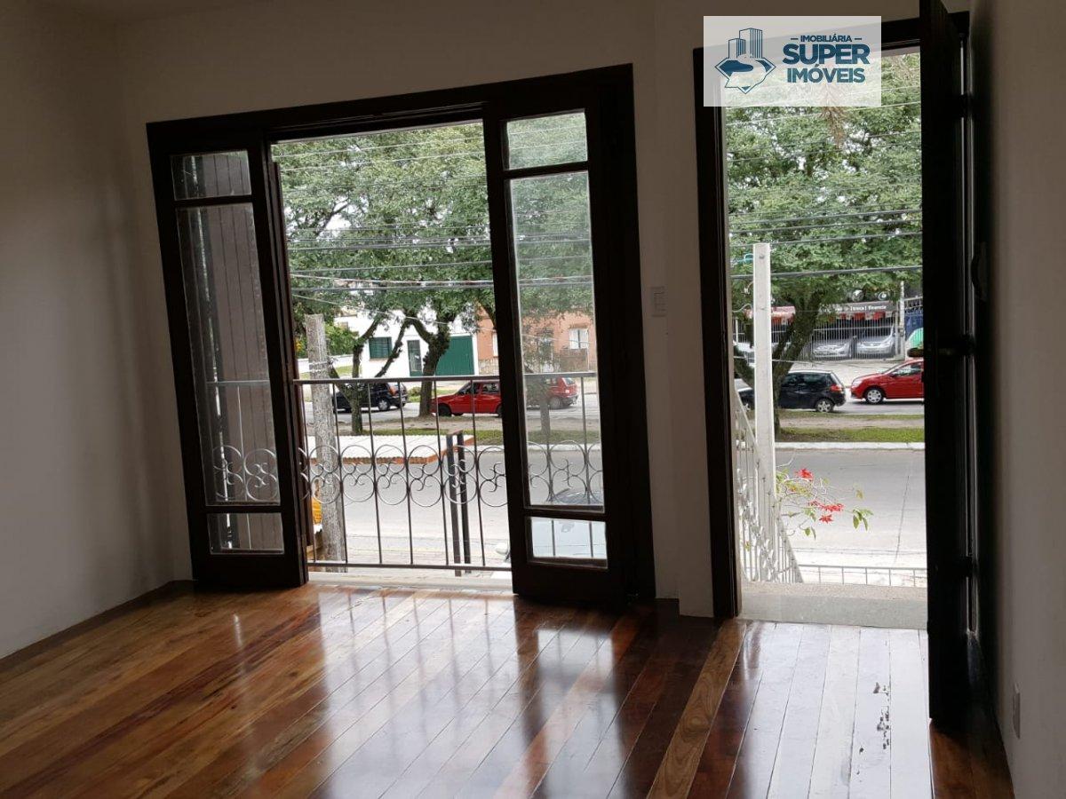Sobrado a Venda no bairro Areal em Pelotas - RS. 2 banheiros, 3 dormitórios, 1 vaga na garagem,  área de serviço,  sala de estar,  sala de jantar,  es