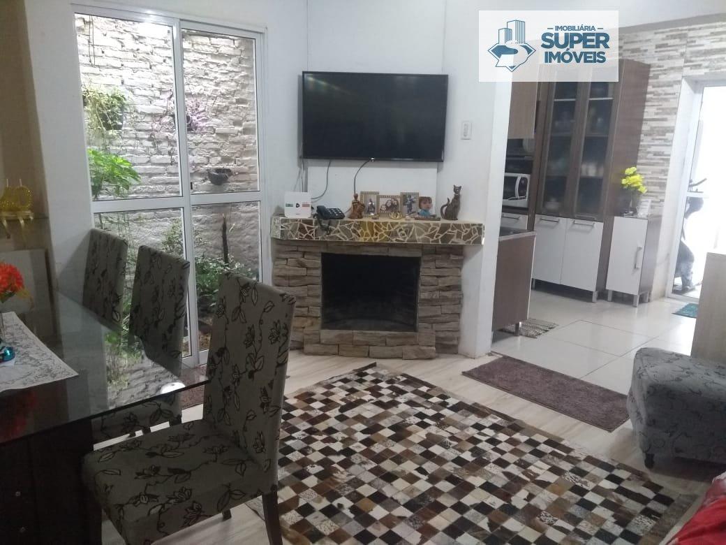 Casa a Venda no bairro Areal em Pelotas - RS. 3 banheiros, 3 dormitórios, 1 vaga na garagem, 1 cozinha,  área de serviço,  sala de estar,  sala de jan